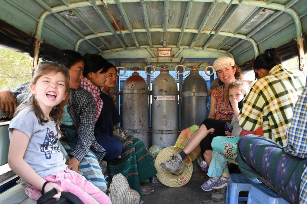 Trnasport public à Bagan