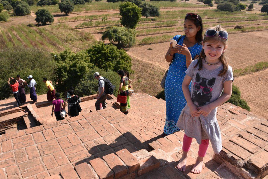 terrasse d'un temple à Bagan
